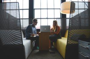 freelance suisse avec un client